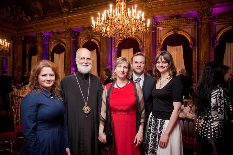 Владика та команда LvBS на Благодійному аукціоні в Парижі