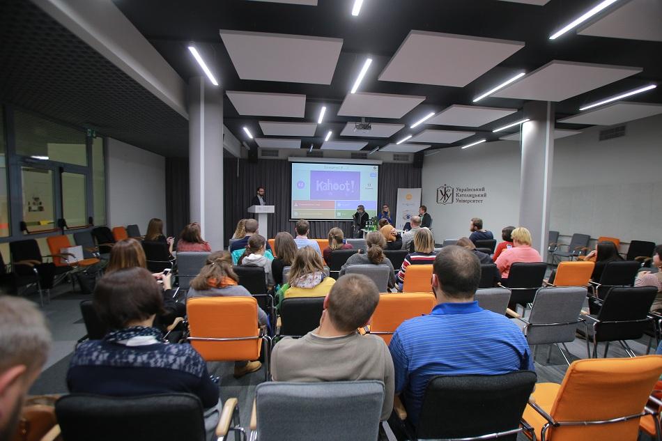 Intro Talk в LvBS. Соціальне підприємництво